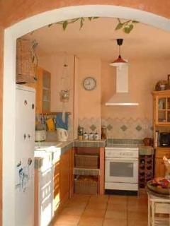 2 Bedroom Villa in Bouches du Rhone - Saint-Cannat vacation rentals