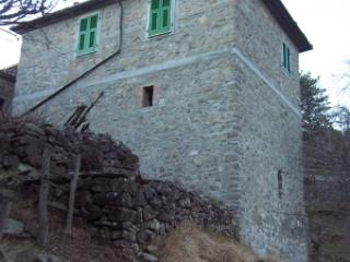 Cozy 3 bedroom Bagnone House with Washing Machine - Bagnone vacation rentals