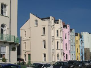 Nice 2 bedroom Tenby Apartment with Kettle - Tenby vacation rentals