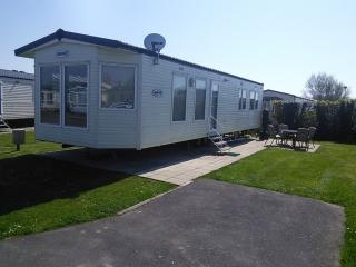 Church Farm Holiday Home Sandhurst - Pagham vacation rentals