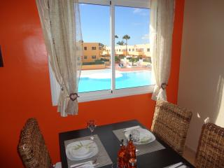 APARTMENT WITH SWIMMING POOL NEAR THE SEA - Corralejo vacation rentals