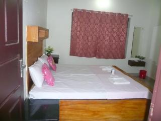 Cozy 2 bedroom House in Vypin Island - Vypin Island vacation rentals