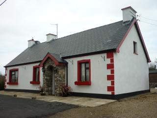 4 bedroom Cottage with Central Heating in Ballyshannon - Ballyshannon vacation rentals