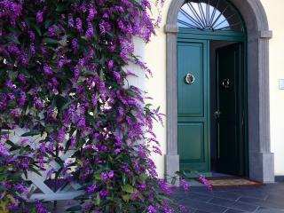 Al Centro della Toscana Elegante App. BLU in Villa - Canneto vacation rentals
