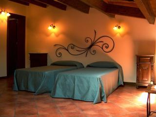 CASA MANZELLA .camera tripla con colazione - Terrasini vacation rentals
