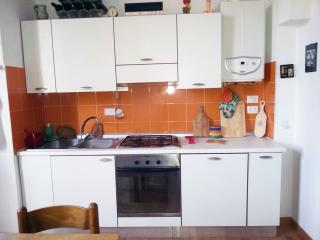 2 bedroom Condo with Internet Access in Bologna - Bologna vacation rentals