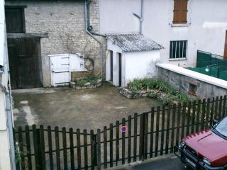 3 bedroom Gite with Parking in Bar Sur Aube - Bar Sur Aube vacation rentals