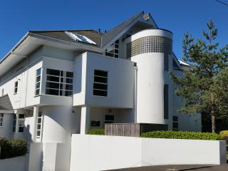 Nice 3 bedroom Condo in Bournemouth - Bournemouth vacation rentals