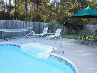 Great Location, 5 Miles to Isle of Palms, Private - Mount Pleasant vacation rentals
