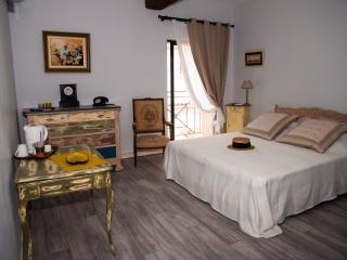 Le Clos des Aramons   M PAGNOL - Aubord vacation rentals