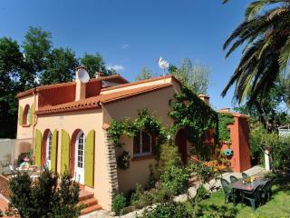 chambres d'hôtes  à Perpignan et à 3 km de  l'A9 - Canohes vacation rentals