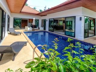 2 Bedrooms Grand Pool Villa in Rawai - Rawai vacation rentals