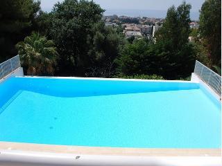 One Bedroom Apartment, 46 Metre Sq., Sleeps 4 - Cagnes-sur-Mer vacation rentals