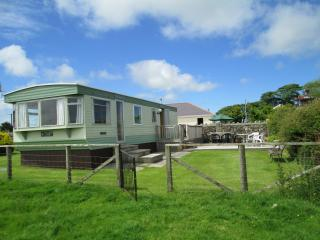 Nice Caravan/mobile home with Deck and Internet Access - Llanerchymedd vacation rentals