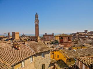 b&b, camere nel cuore di Siena - Siena vacation rentals