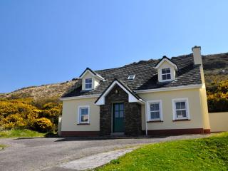 Beautiful house 'An Máimín' Ballyferriter, Dingle - Ballyferriter vacation rentals