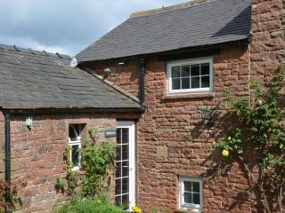 2 bedroom Cottage with Internet Access in Great Salkeld - Great Salkeld vacation rentals