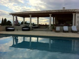 Spacious and Luxury Property South of France - Le Paradou vacation rentals