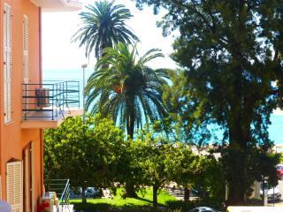 Apartment S2 sea front Menton - Menton vacation rentals
