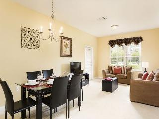 Fantastic 3-bed, 2-bath condo just steps from the clubhouse, gym and pool! - Orlando vacation rentals