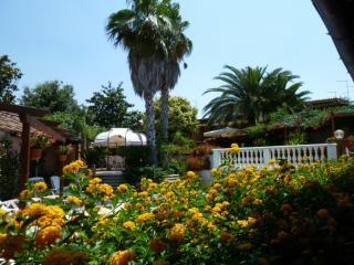 Bilocale NINFEA - Rome vacation rentals