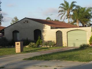 Nice 3 bedroom House in Safety Bay - Safety Bay vacation rentals