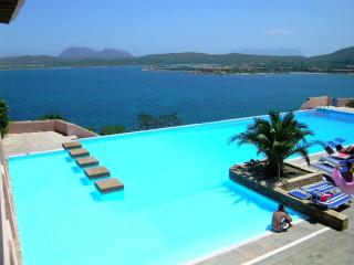Ladunia seafront aptmt walking distance to beaches - Porto Rotondo vacation rentals