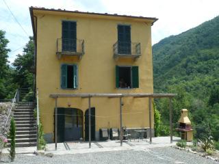 4 Bedroom Villa in North Tuscany - Licciana Nardi vacation rentals