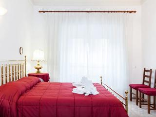 Perfect 3 bedroom Vacation Rental in Rome - Rome vacation rentals