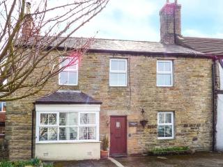 CHERRY TREE HOUSE, terraced, open fires, pet-friendly, garden, near Allendale, Ref 2585 - Allendale vacation rentals