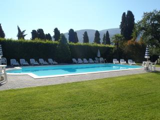 villa del papa afittacamere 1 camere - Santa Maria del Giudice vacation rentals