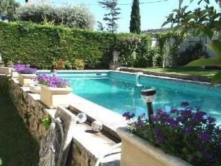 Independent house of 40 m2 in villa with pool - Ventabren vacation rentals