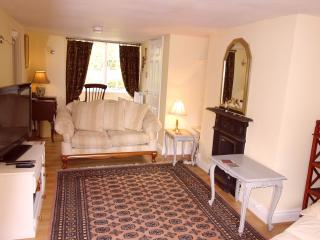 Avalon Cottage Beautiful home close to town centre - Glastonbury vacation rentals