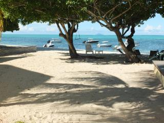 4 bedroom Villa with Internet Access in Roches Noire - Roches Noire vacation rentals