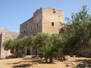 Lovely 4 bedroom Pagkia Castle with A/C - Pagkia vacation rentals