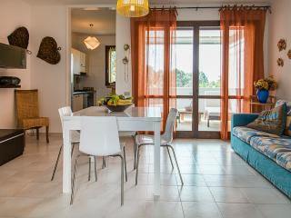WIFI, A/C, SKY, HI FI, PS3, TRA PINETA E MARE - Santa Caterina vacation rentals