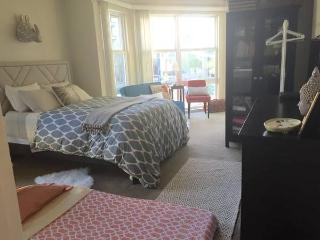 Street-level Convenience - Pacific Beach vacation rentals