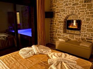 O.L.I.V.E. luxury villas - villa Taf - Kamilari vacation rentals