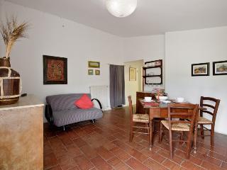 Cozy 1 bedroom Serre di Rapolano Condo with Internet Access - Serre di Rapolano vacation rentals