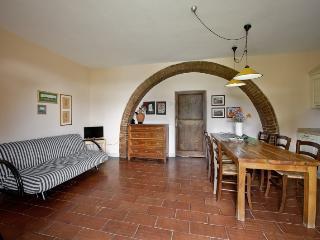 Romantic 1 bedroom Apartment in Serre di Rapolano - Serre di Rapolano vacation rentals