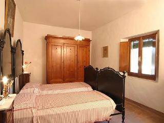Cozy 1 bedroom Colle di Val d'Elsa Apartment with Shared Outdoor Pool - Colle di Val d'Elsa vacation rentals