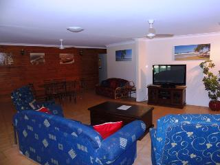 Comfortable House with Television and DVD Player - Rainbow Beach vacation rentals