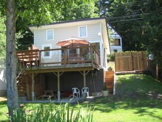 1 bedroom Cottage with Deck in Shawnigan Lake - Shawnigan Lake vacation rentals
