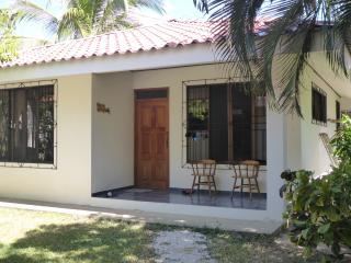 CRSMT Oasis Villas: Casa Congo - Playa Samara vacation rentals