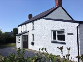 2 bedroom Cottage with Internet Access in Tresaith - Tresaith vacation rentals