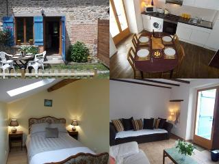2 bedroom Cottage with Internet Access in Cieux - Cieux vacation rentals
