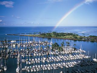 Fully Stocked Harbor Suite - Honolulu vacation rentals