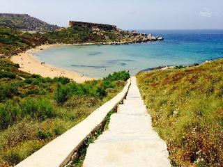 mgarr free wifi slps4 l/o golden beach flt3 - Mgarr vacation rentals