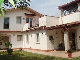 La Foleia - Pineto vacation rentals
