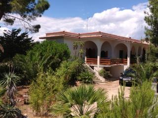 VILLA 200 mt MARE SALENTO 2km GALLIPOLI - Santa Maria al Bagno vacation rentals